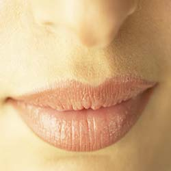How to get rid of cracked lips instantly