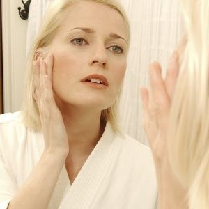 How to get rid of a pimple under the nose fast
